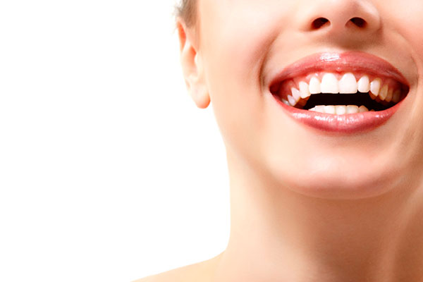 همه چیز درباره بلیچینگ و سفید کردن دندان ها بعد از ارتودنسی